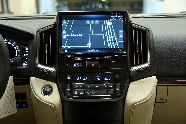 صورة داخلية للسيارة  تويوتا لاند كروزر GXR-Grand Touring 2021