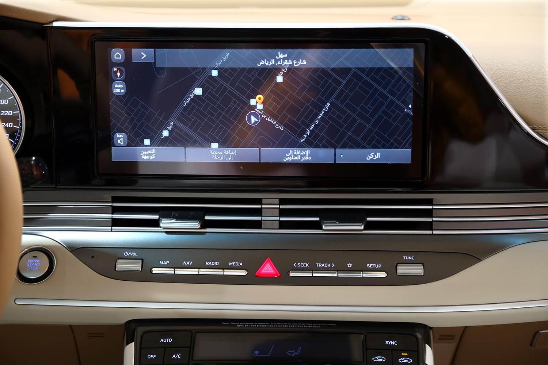 صورة داخلية للسيارة  هيونداي ازيرا MID 2021