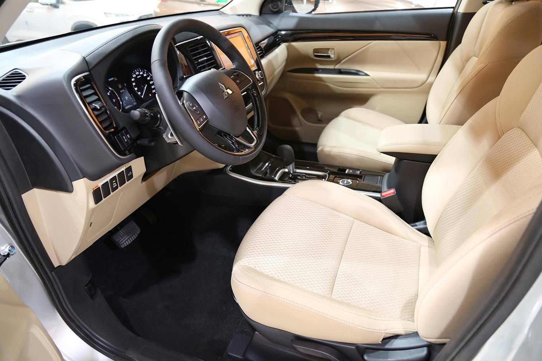 صورة داخلية للسيارة  ميتسوبيشي اوتلاندر GLX-ML 2021