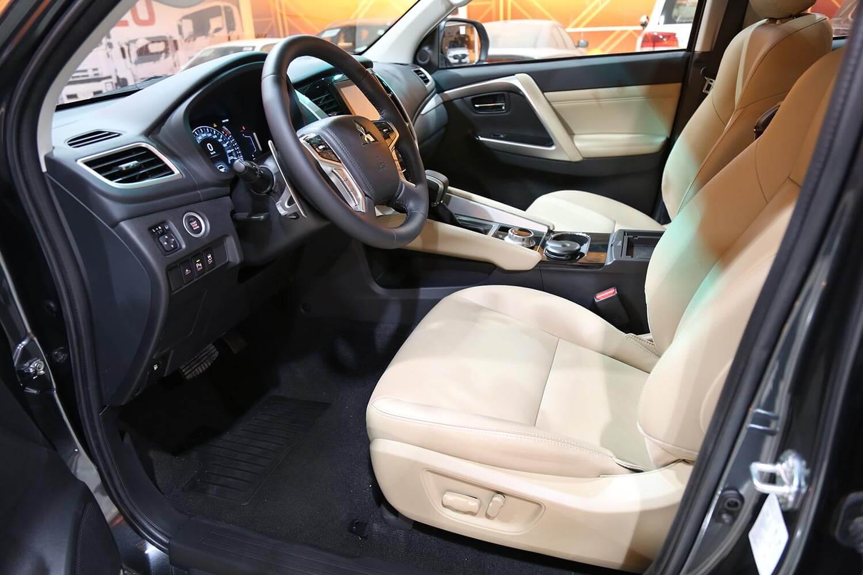 صورة داخلية للسيارة  ميتسوبيشي مونتيرو سبورت GLS-premium 2021