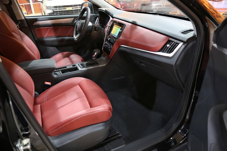 صورة داخلية للسيارة  ام جي RX5 LUX 2021