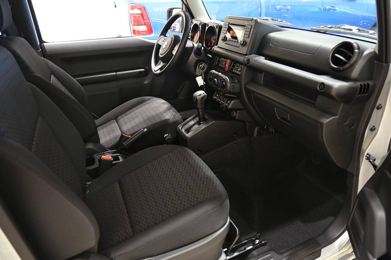 صورة داخلية للسيارة  سوزوكي جيمني GL 2021