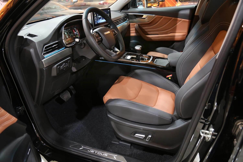 صورة داخلية للسيارة  جيتور X70 S 240T 2021