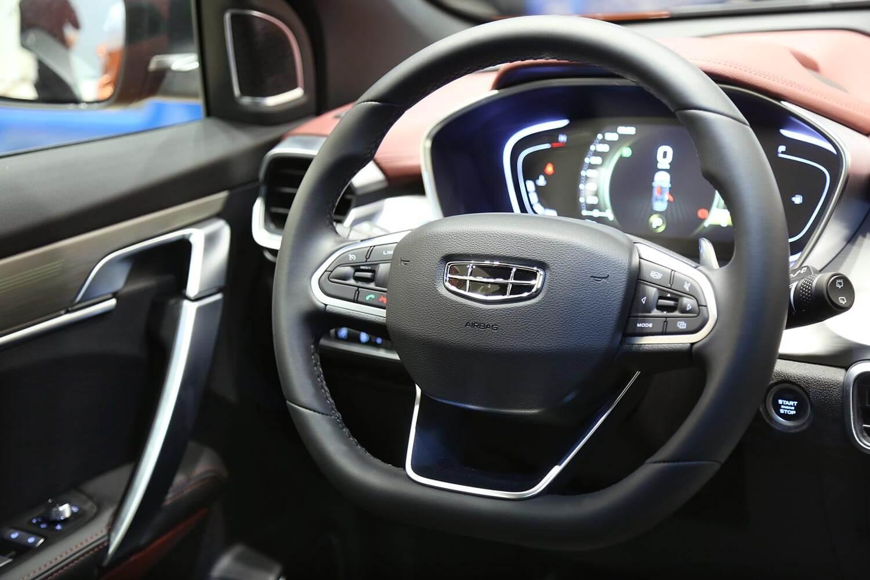 صورة داخلية للسيارة  جيلي كولراي GF 2021