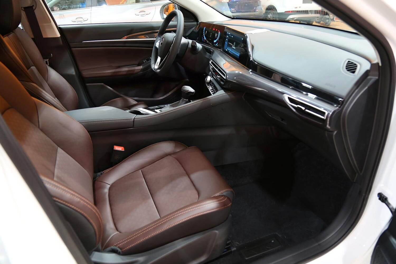 صورة داخلية للسيارة  شانجان EADO - PLUS Smart 2022