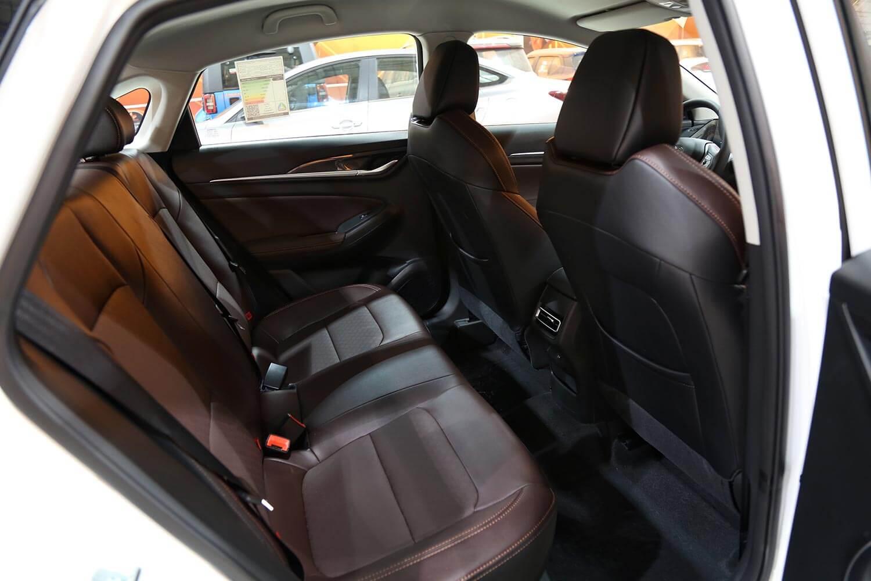 صورة داخلية للسيارة  شانجان EADO - PLUS Trend 2022