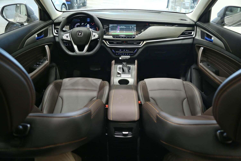 صورة داخلية للسيارة  شانجان CS35-PLUS ليمتد 2022