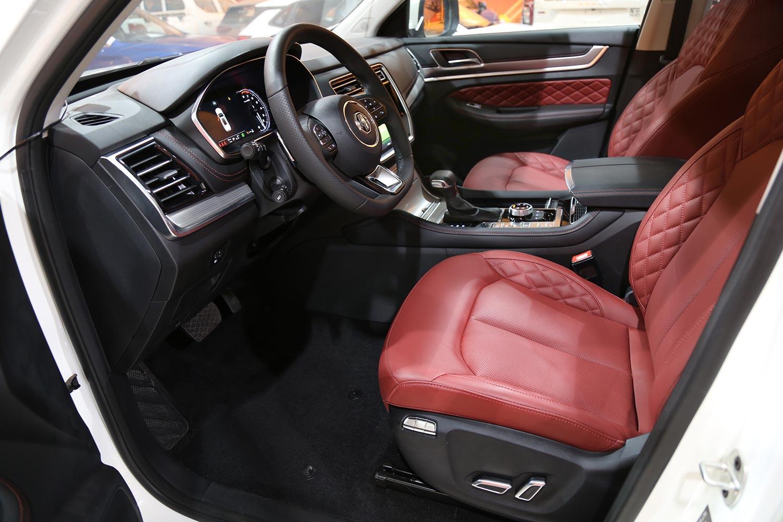 صورة داخلية للسيارة  ام جي RX8 LUX 2021