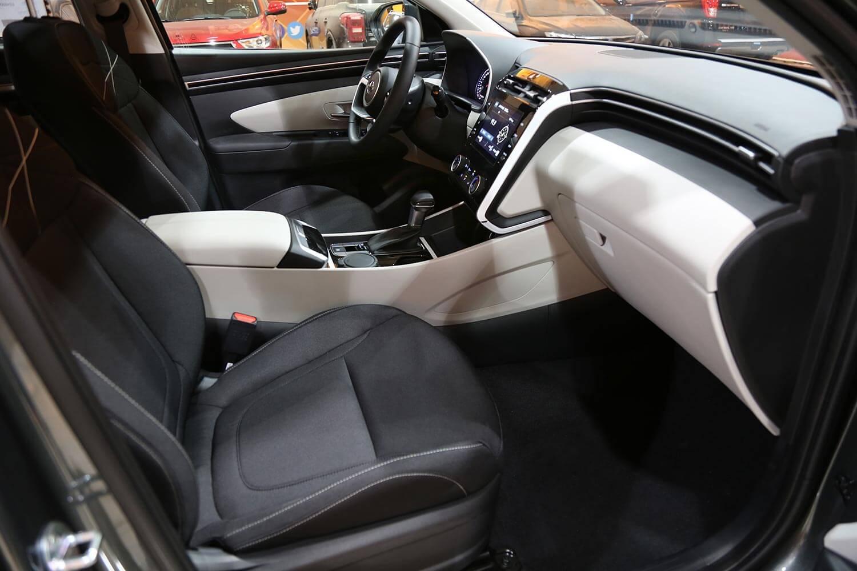 صورة داخلية للسيارة  هيونداي توسان GL-Comfort-GDI 2022