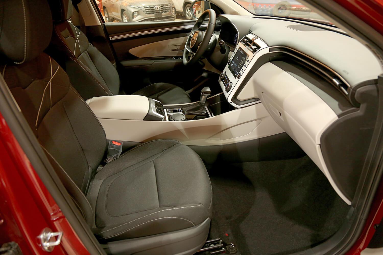 صورة داخلية للسيارة  هيونداي توسان GL - Comfort 2022