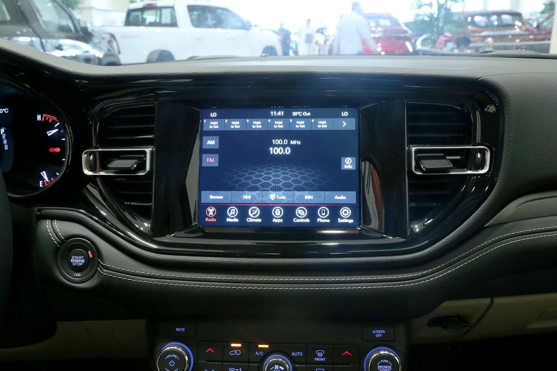صورة داخلية للسيارة  دودج دورانجو SXT 2021