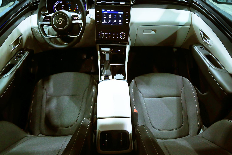 صورة داخلية للسيارة  هيونداي توسان GL- Smart 2022