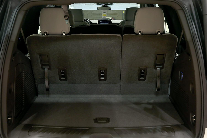 صورة داخلية للسيارة  شفروليه تاهو LT دبل 2021