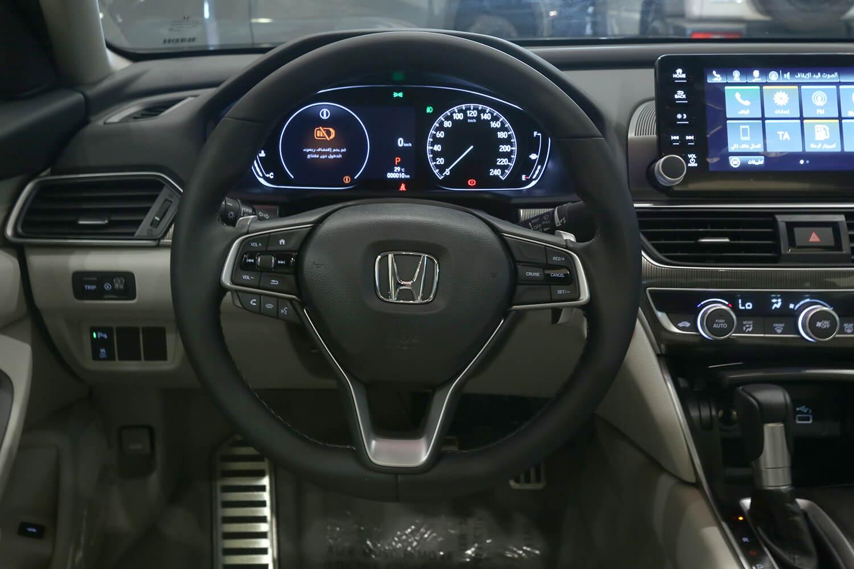 صورة داخلية للسيارة  هوندا اكورد LX SPORT 2021