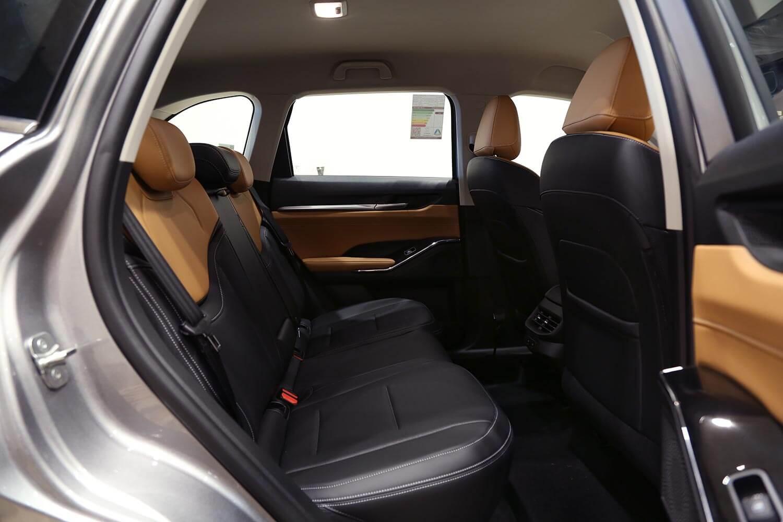 صورة داخلية للسيارة  هافال H6 اكتيف 2022