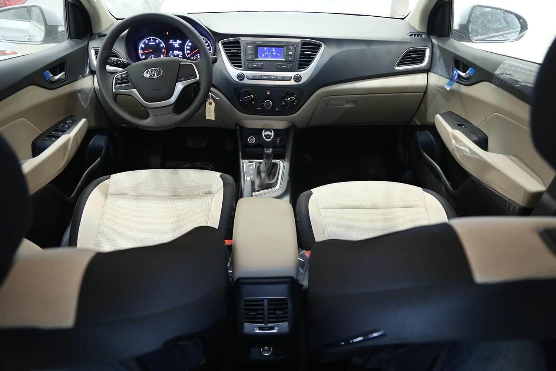 صورة داخلية للسيارة  هيونداي اكسنت Smart 2021