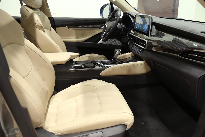 صورة داخلية للسيارة  سايك موتور Maxus D90 luxury 2020