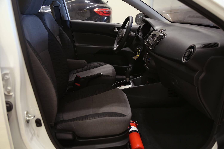 صورة داخلية للسيارة  كيا بيجاس GL 2022
