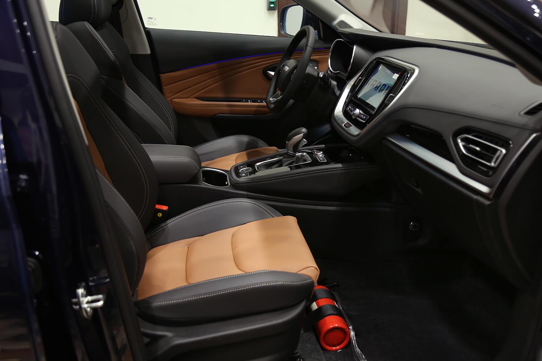 صورة داخلية للسيارة  جيتور X70 240T 2021