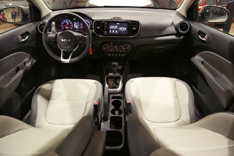 صورة داخلية للسيارة  كيا بيجاس GLS 2022