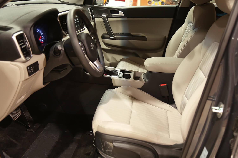 صورة داخلية للسيارة  كيا سبورتاج GL 1.6 2022