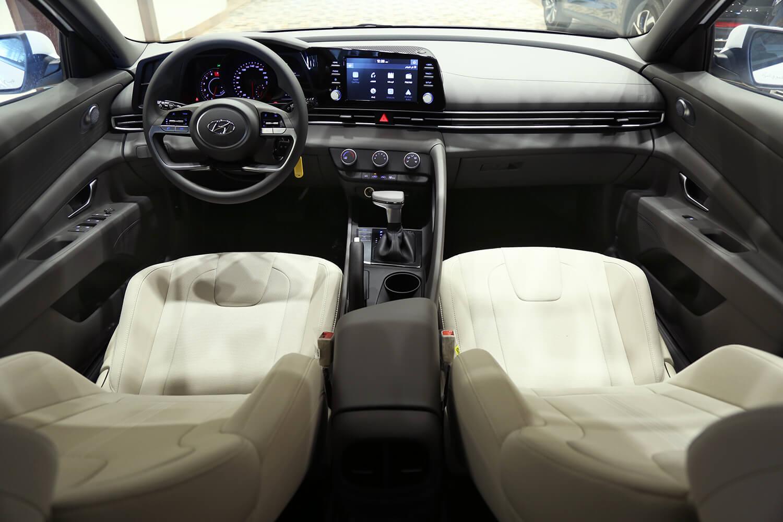 صورة داخلية للسيارة  هيونداي النترا سمارت 2022