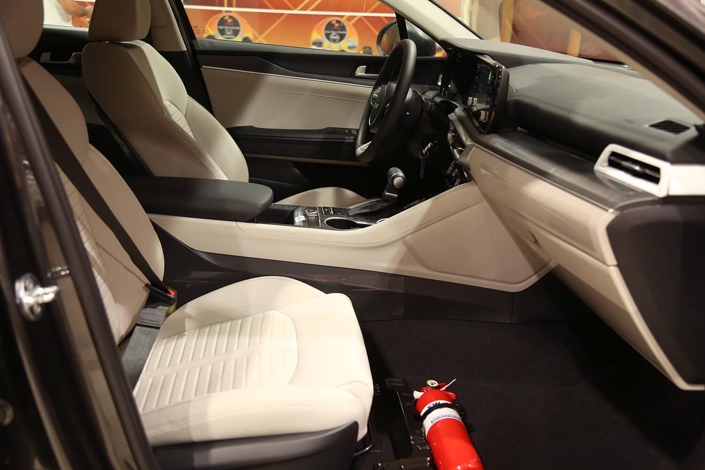 صورة داخلية للسيارة  كيا K5 GL 2022