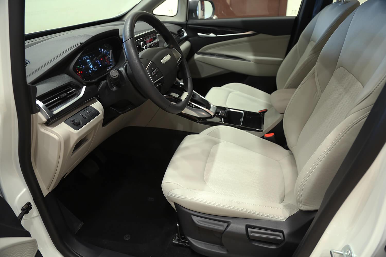 صورة داخلية للسيارة  سايك موتور Maxus G50-elite 2022