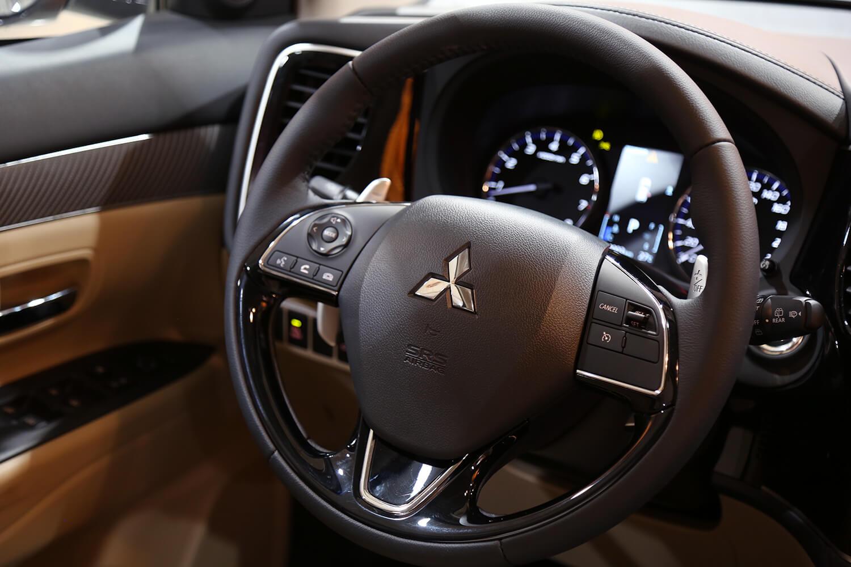 صورة داخلية للسيارة  ميتسوبيشي اوتلاندر GLX-HL 2022