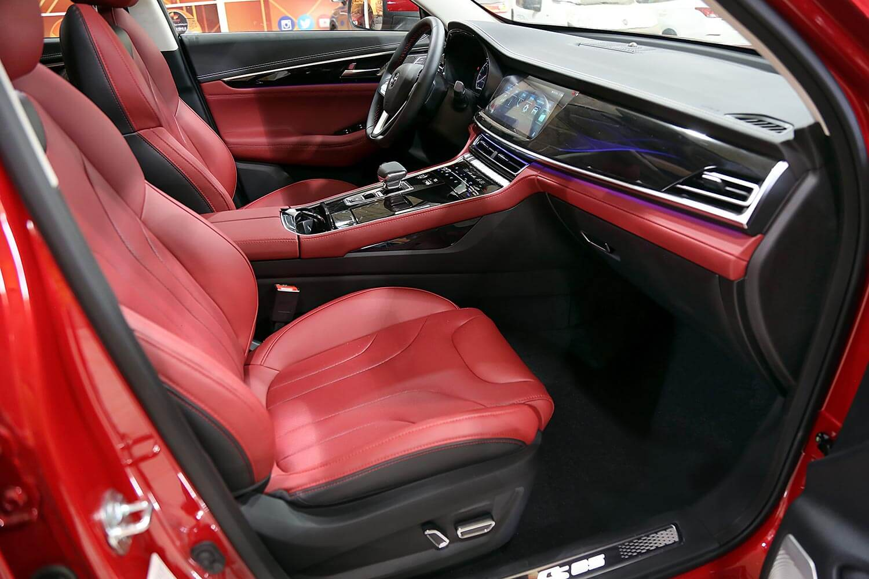 صورة داخلية للسيارة  شانجان CS85 ليمتد 2021